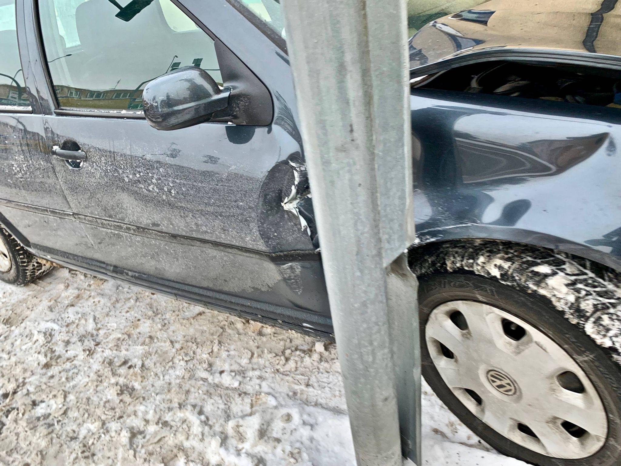 img 7509 Uwaga kierowcy! Kolejna kolizja przy CH Twierdza (zdjęcia z ostatniej chwili)