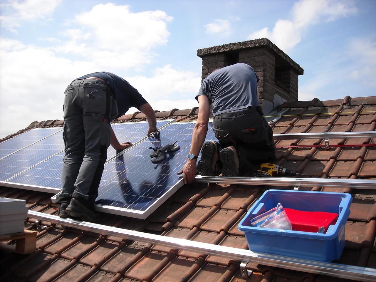 solar panels 943999 1280 1 Fotowoltaika teraz w cenie 3999zł brutto za 1KW! Zadzwoń!