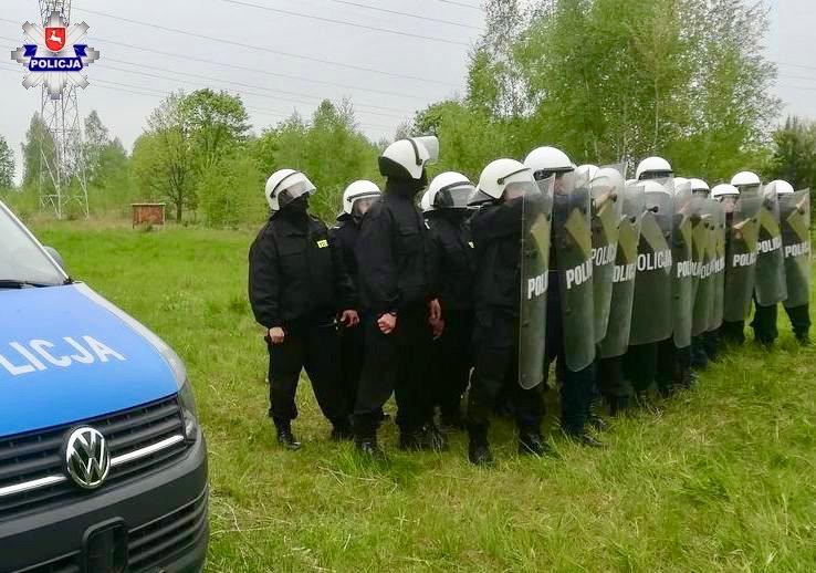 68 146739 Policjanci doskonalili umiejętności reagowania na zamieszki i chuligaństwo