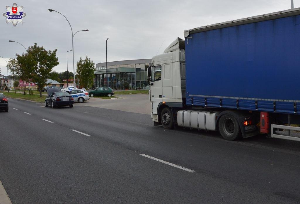 68 154641 Zamość: Zderzenie Hondy z ciężarówką na ul. Dzieci Zamojszczyzny