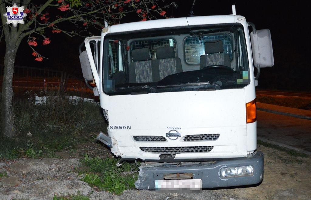 68 155462 Zderzenie ciężarówki ze skodą (zdjęcia)