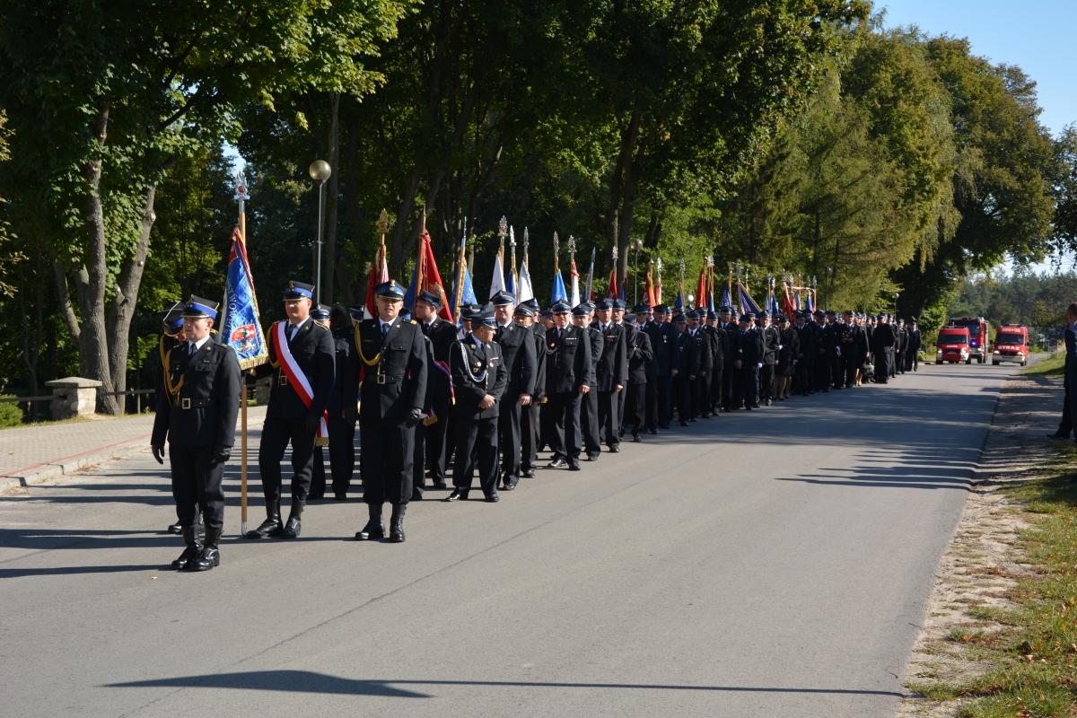 dsc 0021 Strażacy z Zamojszczyzny pielgrzymowali do Krasnobrodu [ZDJĘCIA]