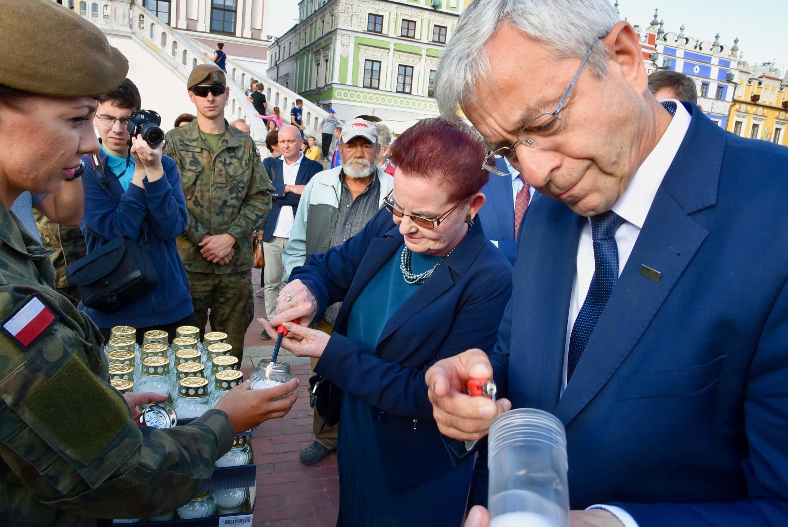 dsc 7173 scaled Tyle zniczy ilu zamordowanych w Katyniu (dużo zdjęć)