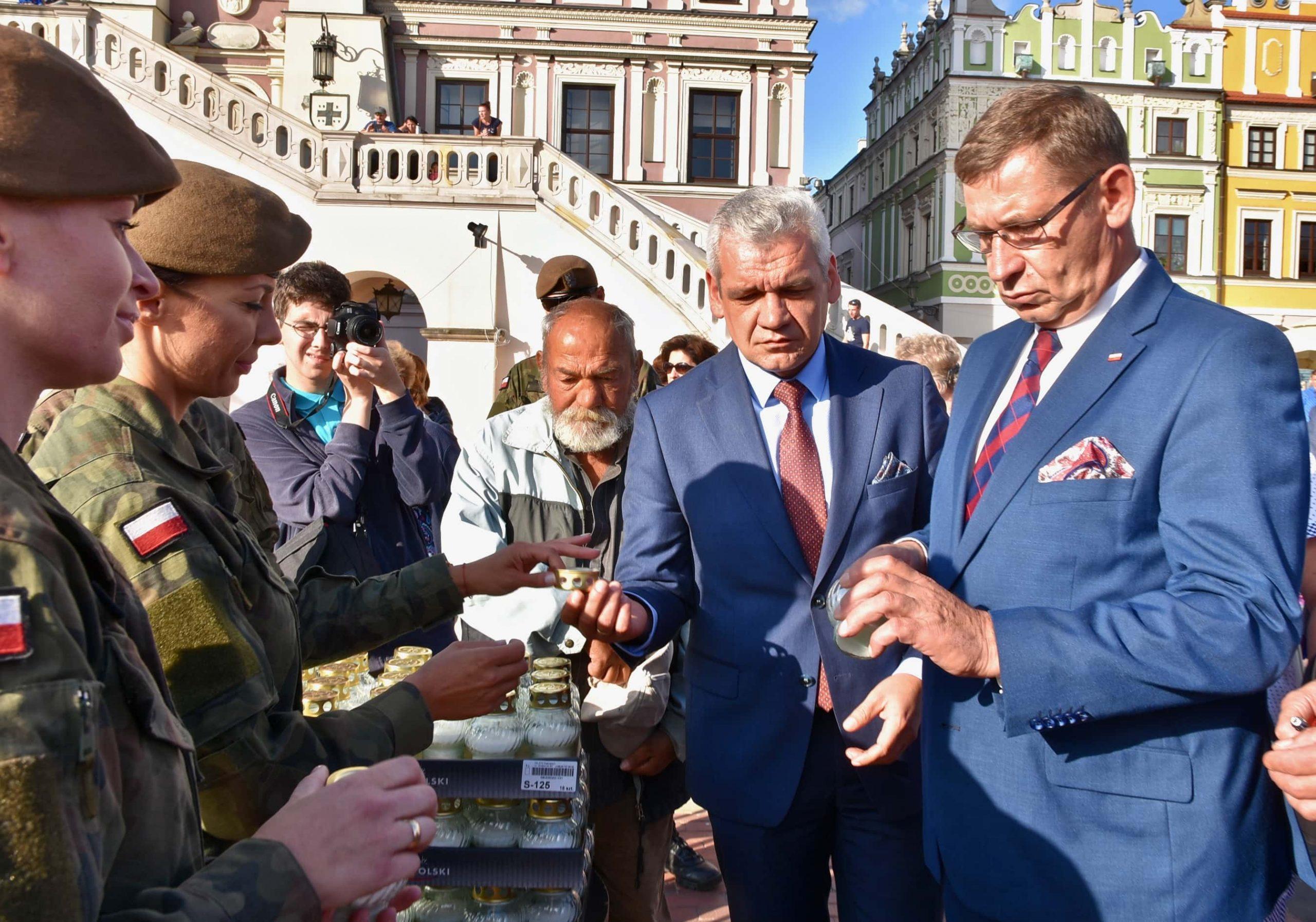 dsc 7178 scaled Tyle zniczy ilu zamordowanych w Katyniu (dużo zdjęć)