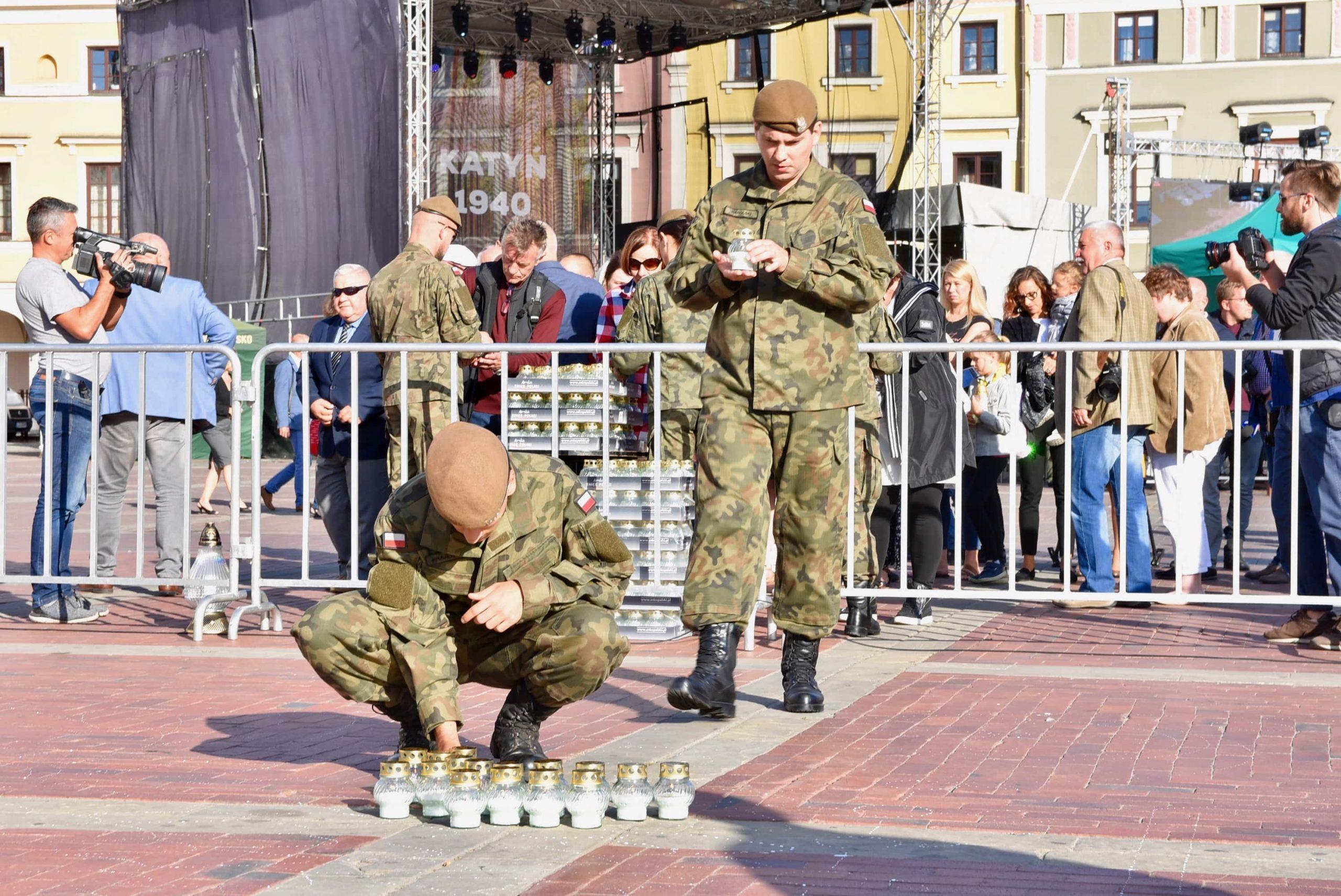 dsc 7194 scaled Tyle zniczy ilu zamordowanych w Katyniu (dużo zdjęć)