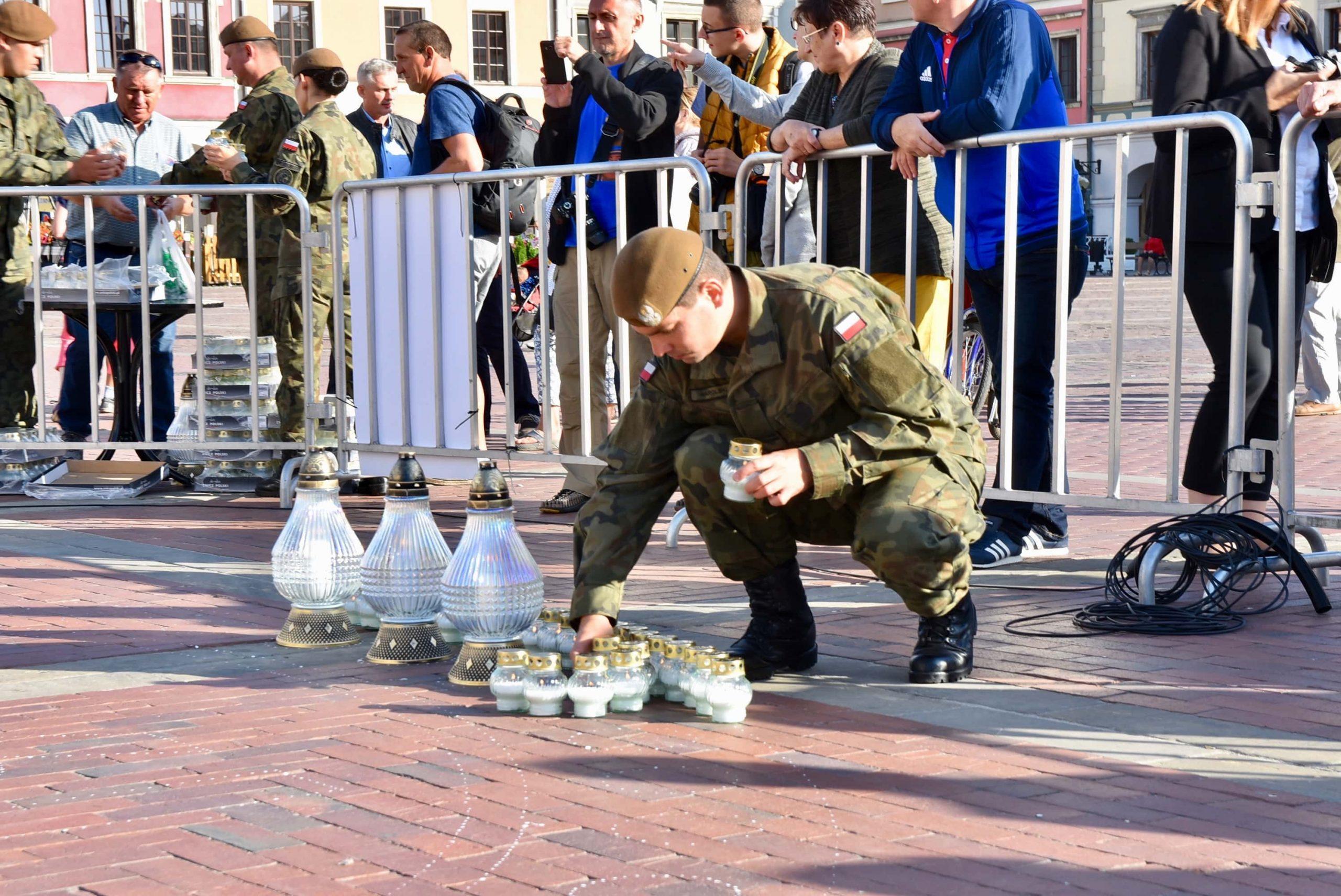 dsc 7213 scaled Tyle zniczy ilu zamordowanych w Katyniu (dużo zdjęć)