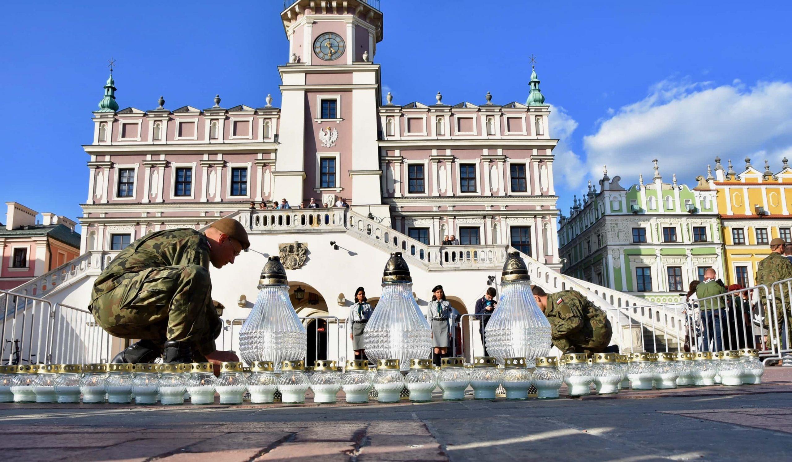 dsc 7248 scaled Tyle zniczy ilu zamordowanych w Katyniu (dużo zdjęć)