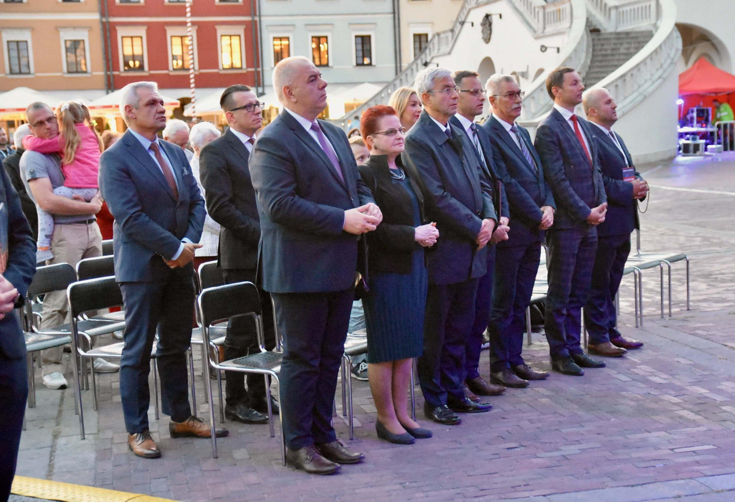 dsc 7544 scaled Tyle zniczy ilu zamordowanych w Katyniu (dużo zdjęć)