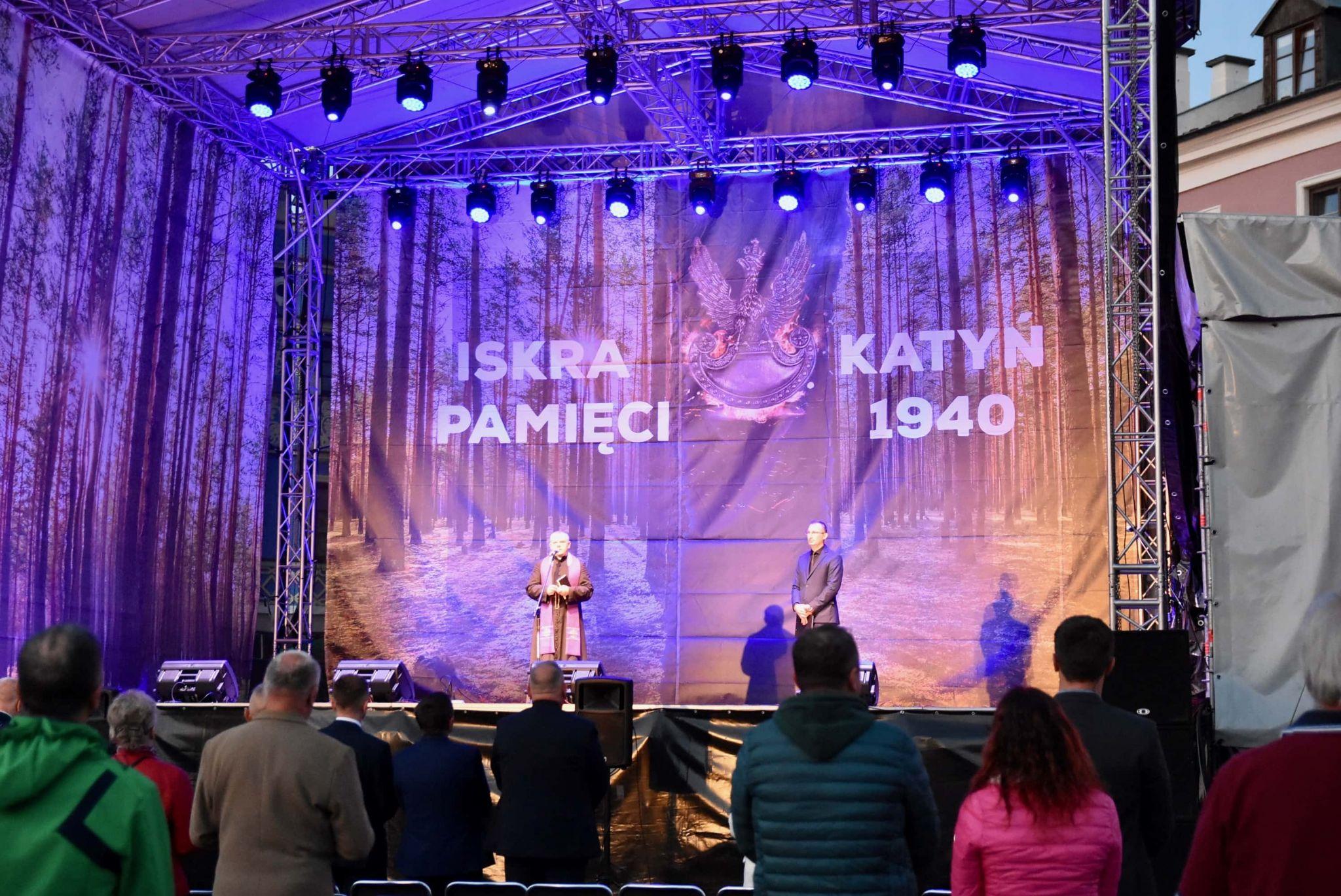 dsc 7546 Tyle zniczy ilu zamordowanych w Katyniu (dużo zdjęć)