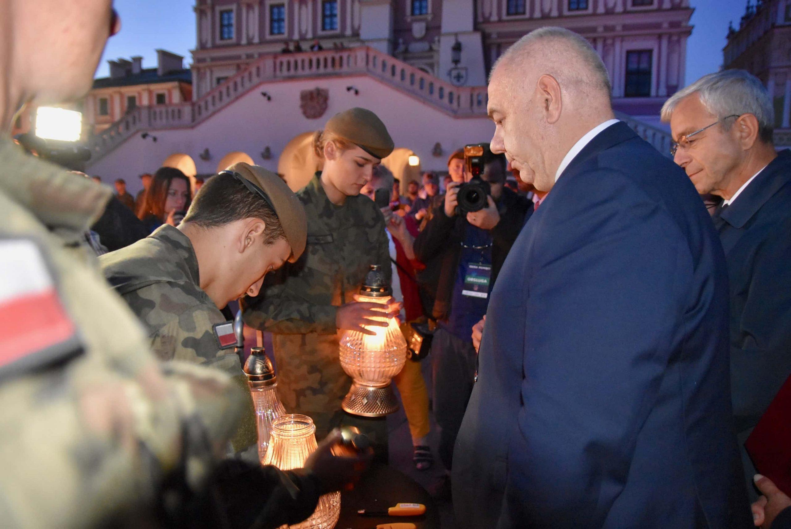 dsc 7552 scaled Tyle zniczy ilu zamordowanych w Katyniu (dużo zdjęć)