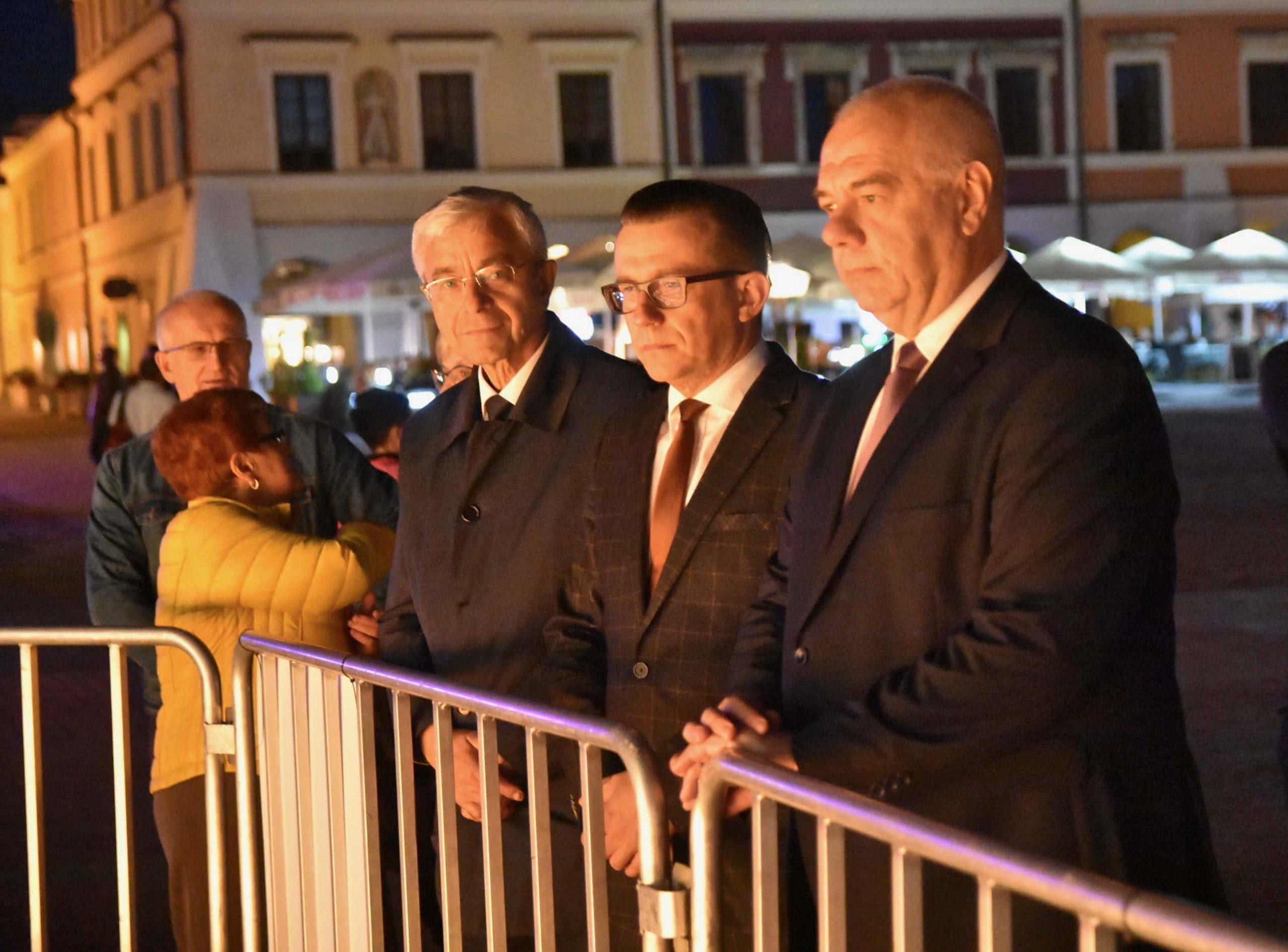 dsc 7629 scaled Tyle zniczy ilu zamordowanych w Katyniu (dużo zdjęć)