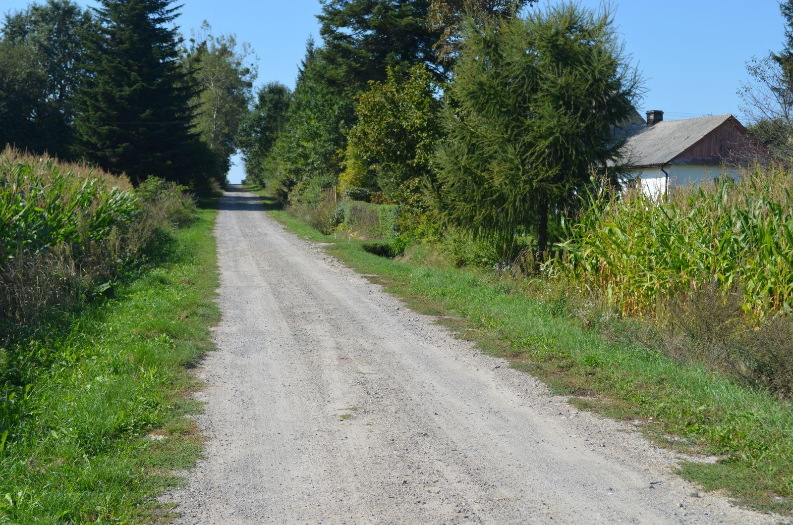 fragment drogi w sulowcu Gmina Sułów inwestuje w drogi