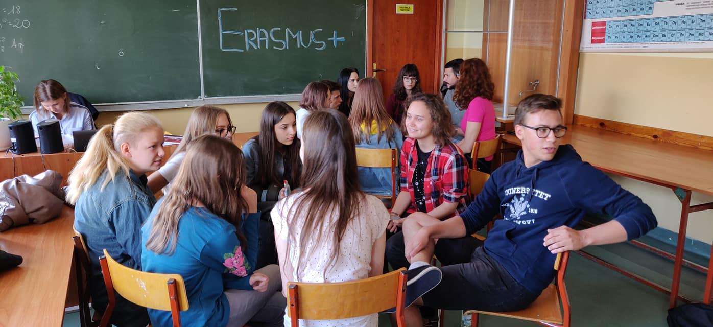 heuy 3 Zamość: W międzynarodowym gronie uczą się zarządzać czasem