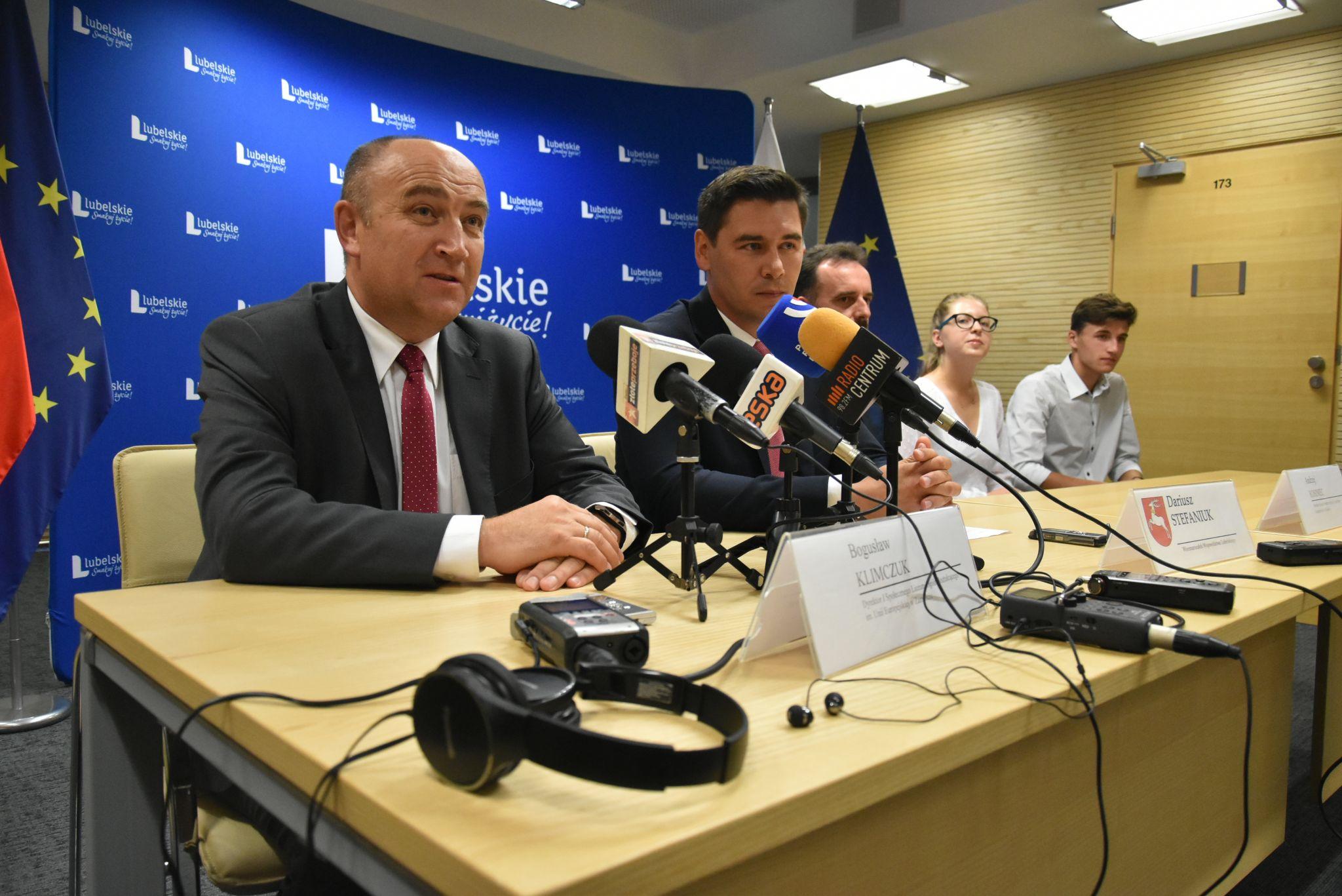stypendysci 4 Stypendia dla uzdolnionej młodzieży z woj. lubelskiego. Trwa nabór wniosków