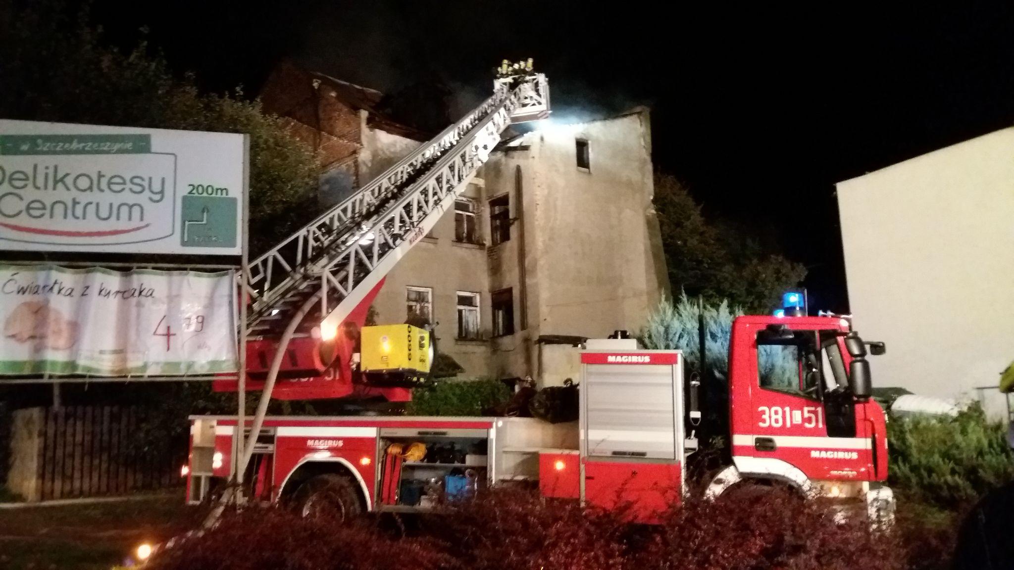20191002 000843 Pożar budynku (zdjęcia)