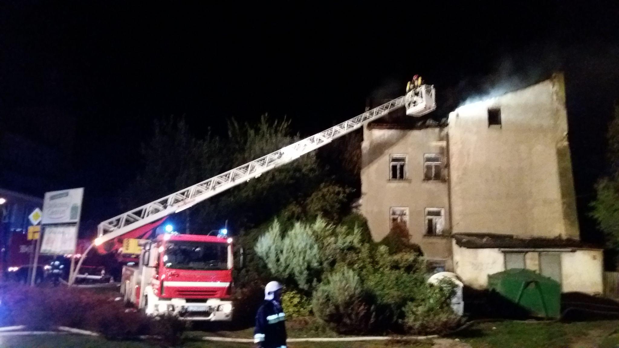 20191002 000915 Pożar budynku (zdjęcia)