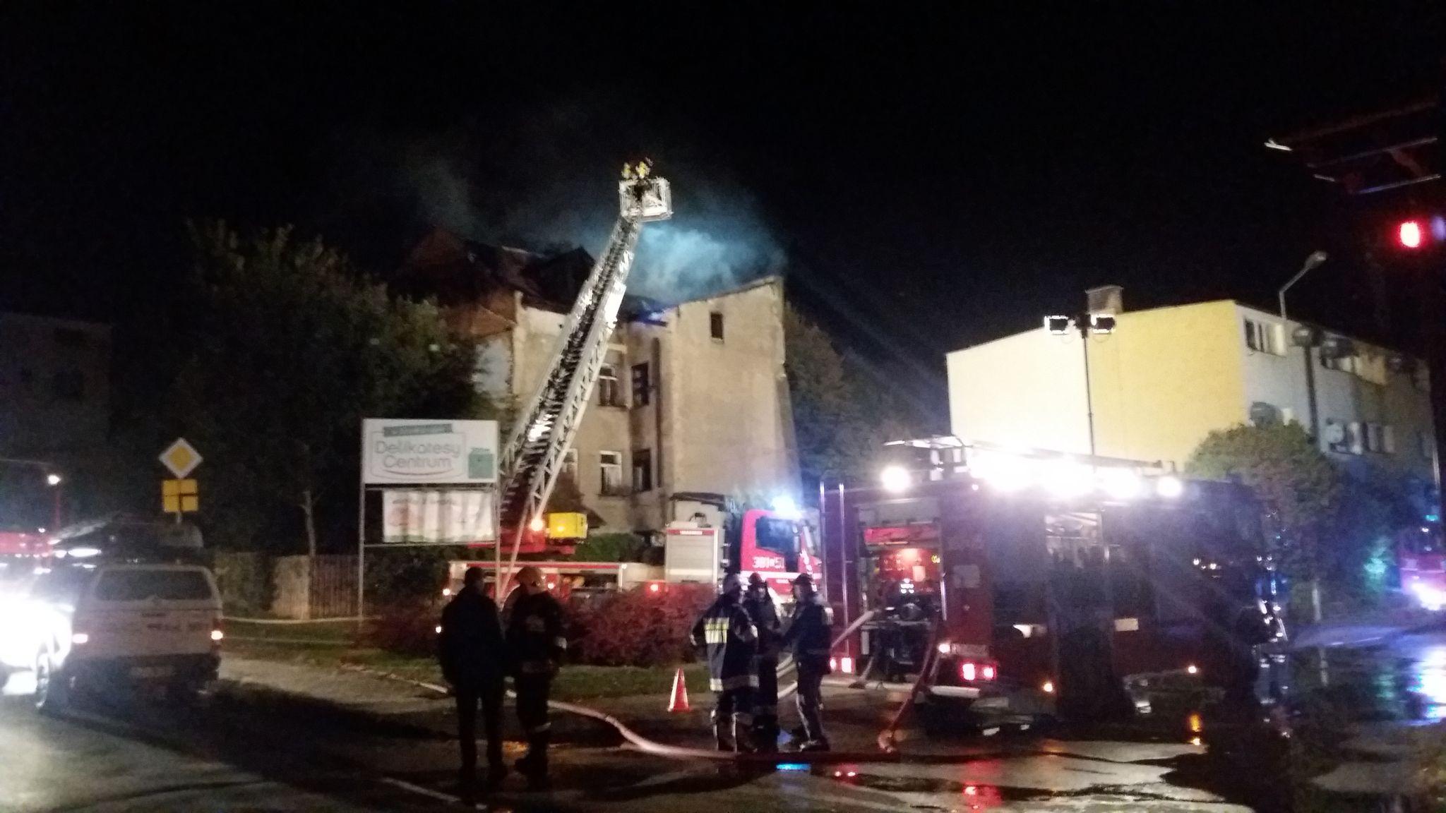 20191002 001646 Pożar budynku (zdjęcia)