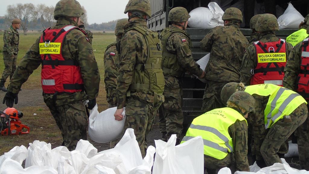 2lbot huczwa19 1 Terytorialsi ćwiczyli ze strażakami w Hrubieszowie [ZDJĘCIA]