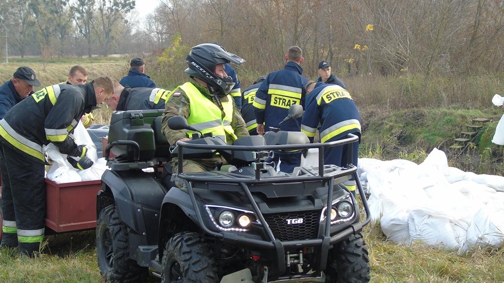 2lbot huczwa19 2 Terytorialsi ćwiczyli ze strażakami w Hrubieszowie [ZDJĘCIA]