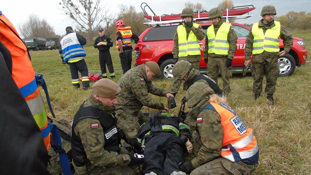 2lbot huczwa19 3 Terytorialsi ćwiczyli ze strażakami w Hrubieszowie [ZDJĘCIA]