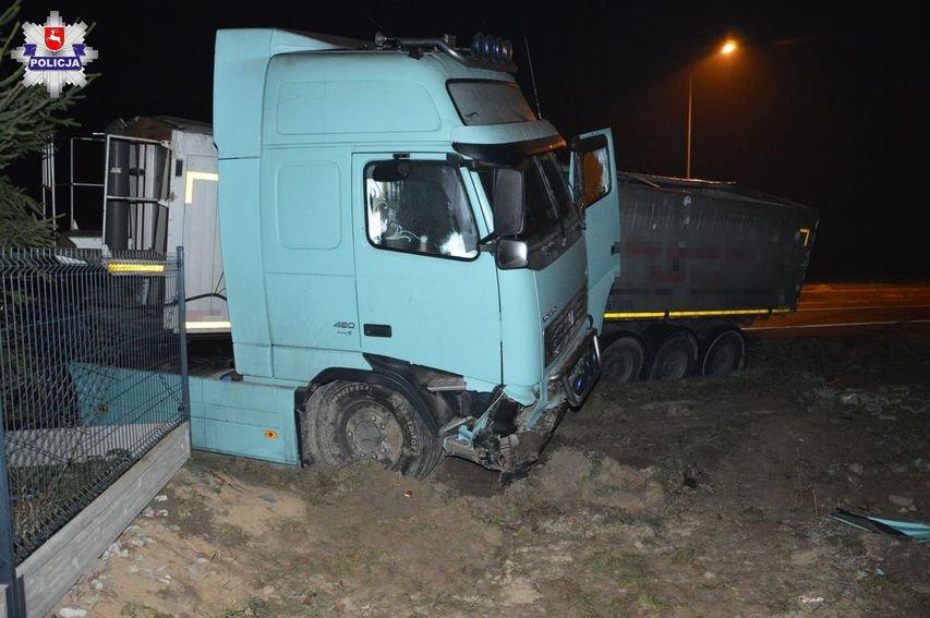 68 156855 Płoskie: Wypadek z udziałem samochodu ciężarowego