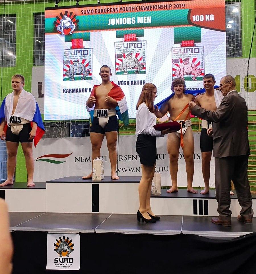 71242059 10211625950644298 8985347882773118976 n Zawodnicy Agrosu przywieźli z Węgier trzy medale!
