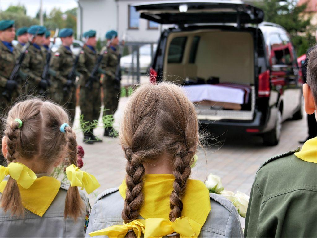 83 333361 Piękne pożegnanie trzech odnalezionych żołnierzy II Inspektoratu Zamojskiego AK [FOTORELACJA]
