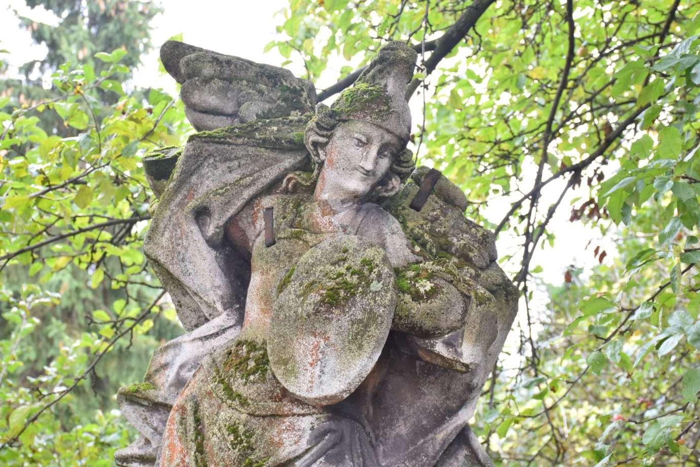 dsc 6028 Zamość: Zabytkowa rzeźba odzyska dawną świetność