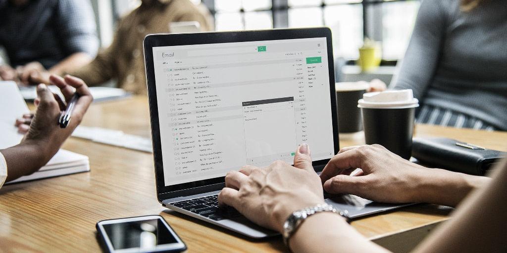 e mail ZUS przestrzega przed kolejną falą mejlowych oszustw