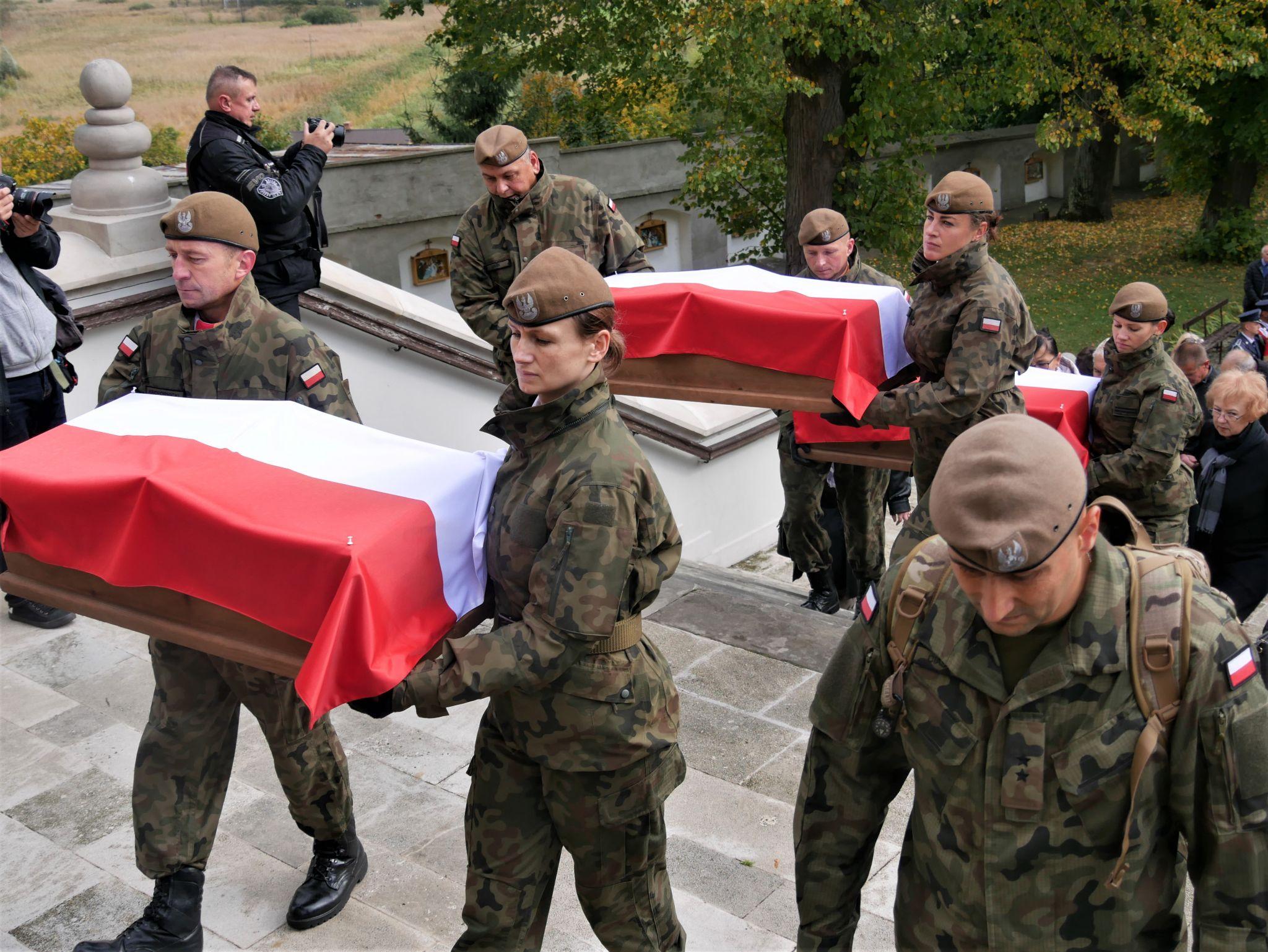 p1130676 Piękne pożegnanie trzech odnalezionych żołnierzy II Inspektoratu Zamojskiego AK [FOTORELACJA]