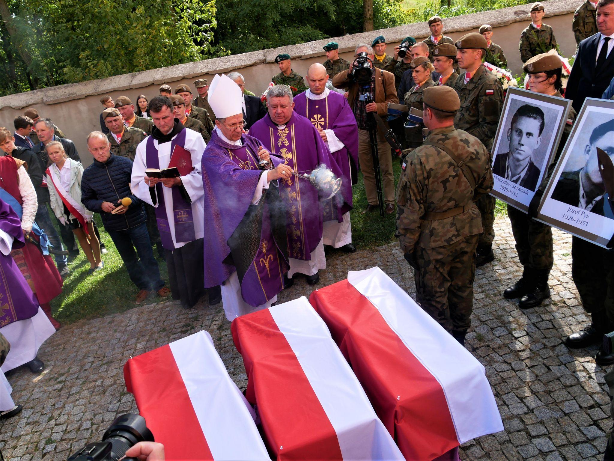 p1130947 Piękne pożegnanie trzech odnalezionych żołnierzy II Inspektoratu Zamojskiego AK [FOTORELACJA]