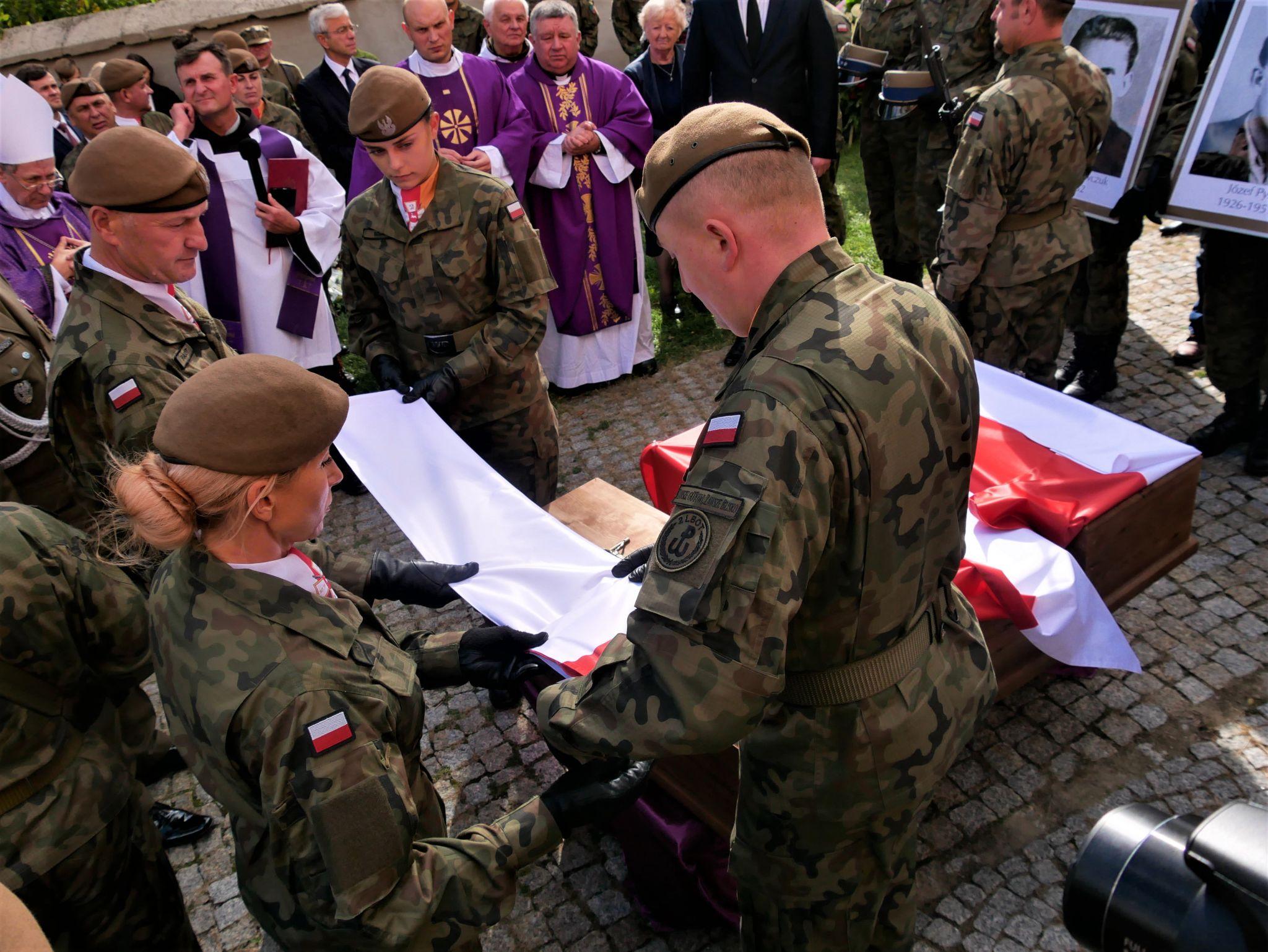 p1140019 Piękne pożegnanie trzech odnalezionych żołnierzy II Inspektoratu Zamojskiego AK [FOTORELACJA]