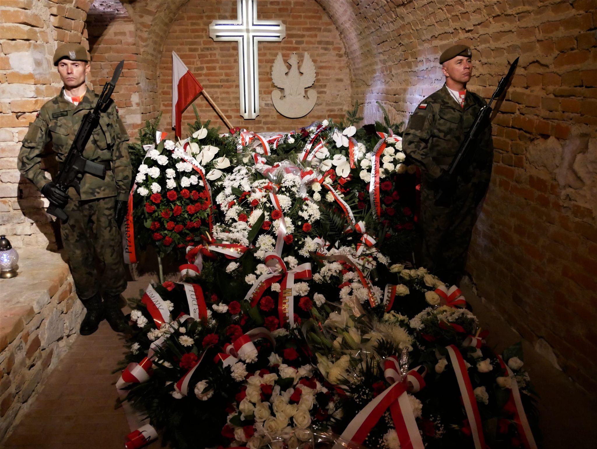 p1140093 Piękne pożegnanie trzech odnalezionych żołnierzy II Inspektoratu Zamojskiego AK [FOTORELACJA]