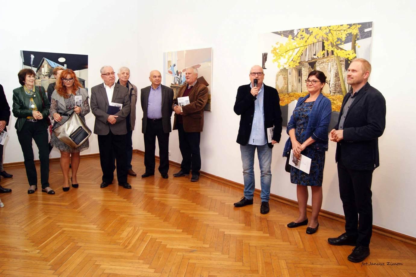 piotr tymochowicz bwa galeria zamojska fot janusz zimon 1 Zamość: Wernisaż wystawy Piotra Tymochowicza