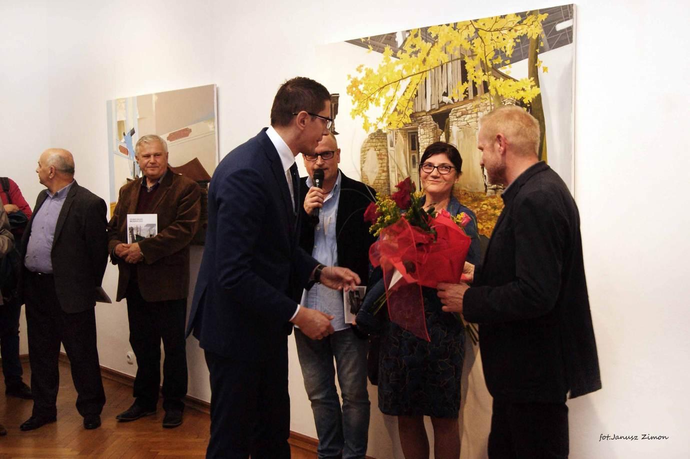piotr tymochowicz bwa galeria zamojska fot janusz zimon 10 Zamość: Wernisaż wystawy Piotra Tymochowicza