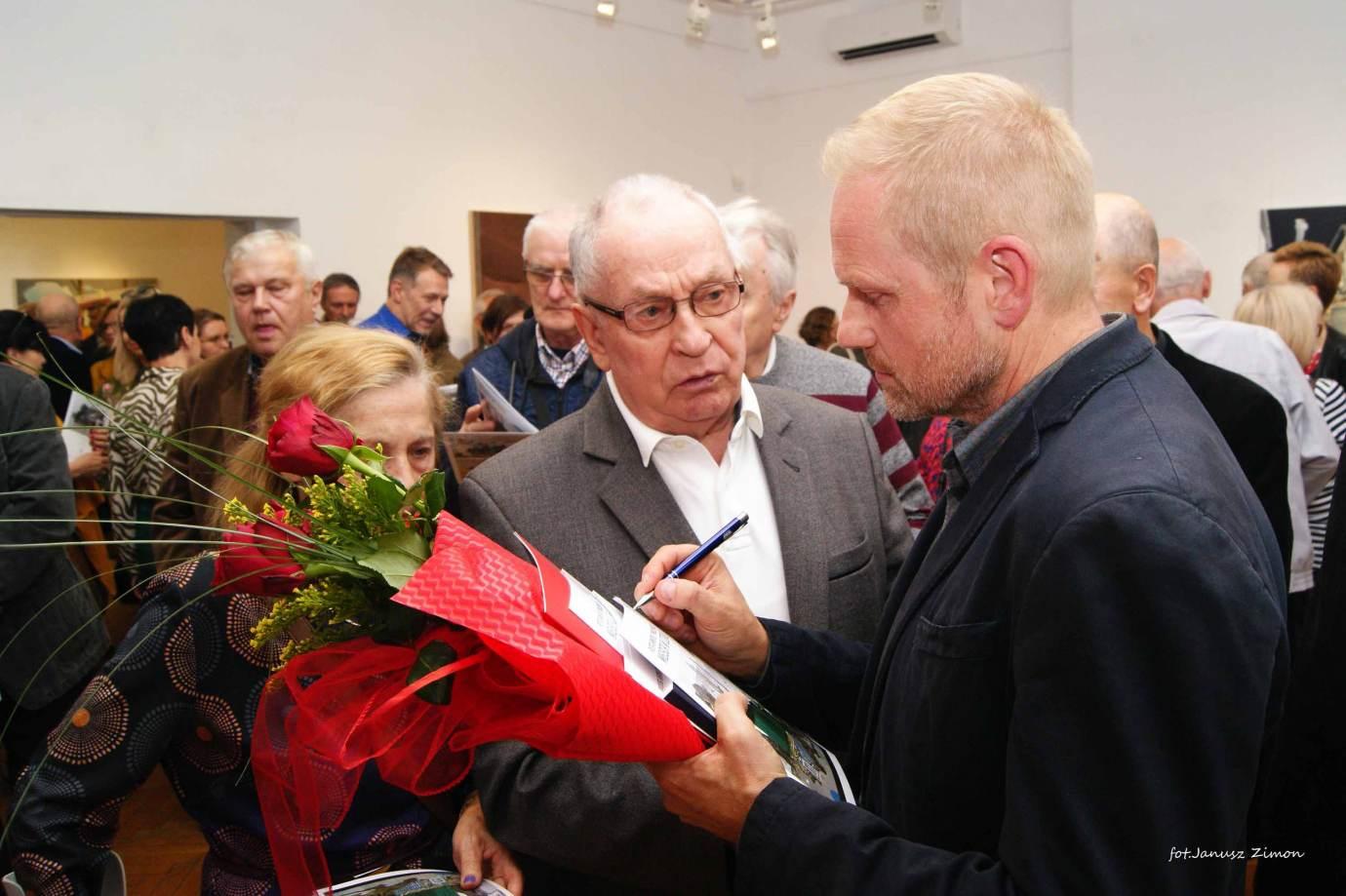 piotr tymochowicz bwa galeria zamojska fot janusz zimon 19 Zamość: Wernisaż wystawy Piotra Tymochowicza