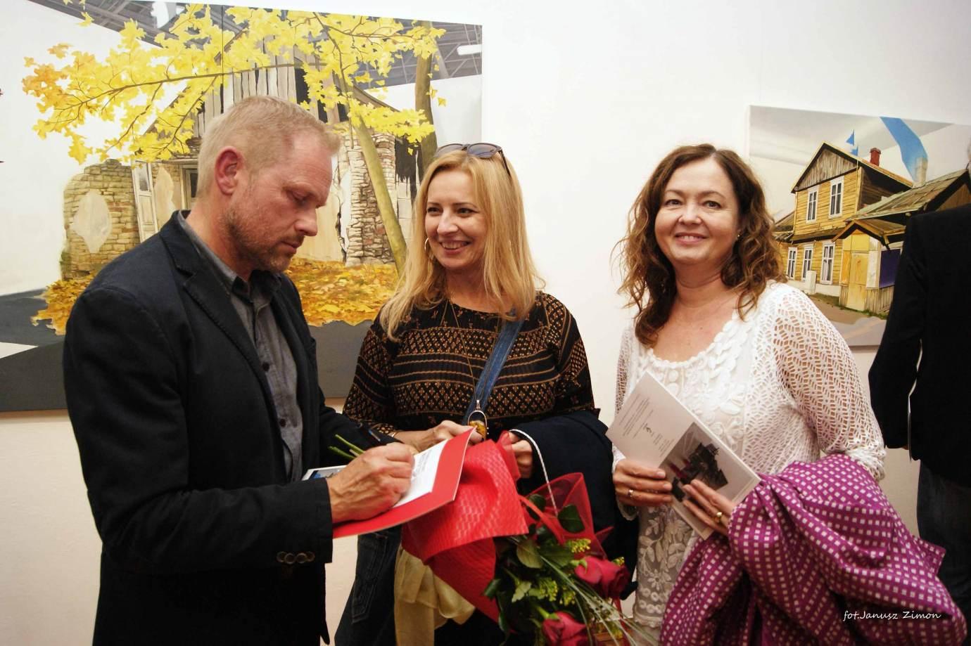 piotr tymochowicz bwa galeria zamojska fot janusz zimon 23 Zamość: Wernisaż wystawy Piotra Tymochowicza