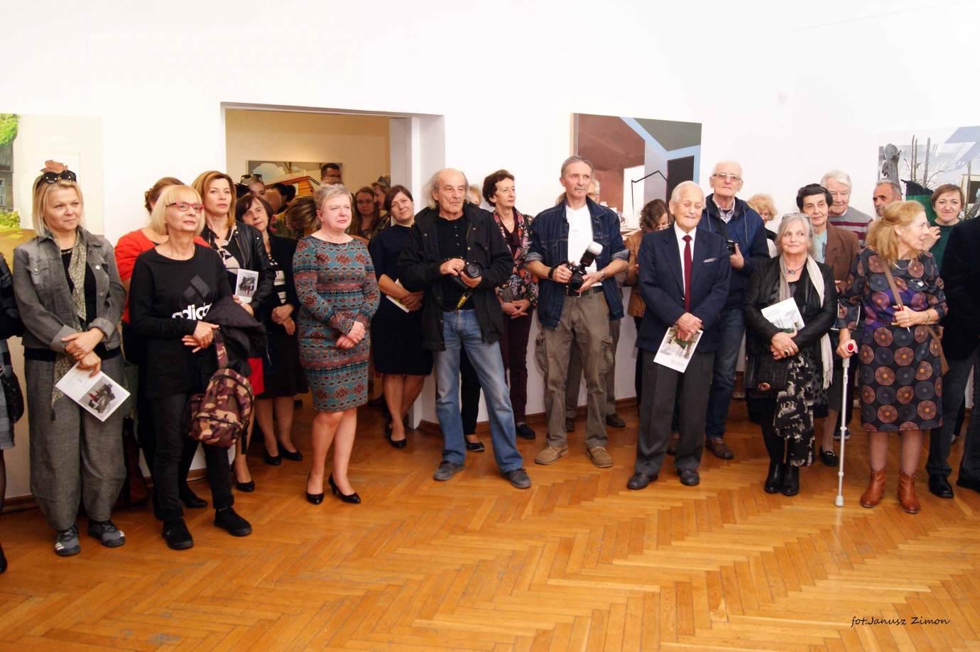 piotr tymochowicz bwa galeria zamojska fot janusz zimon 4 1 Zamość: Wernisaż wystawy Piotra Tymochowicza