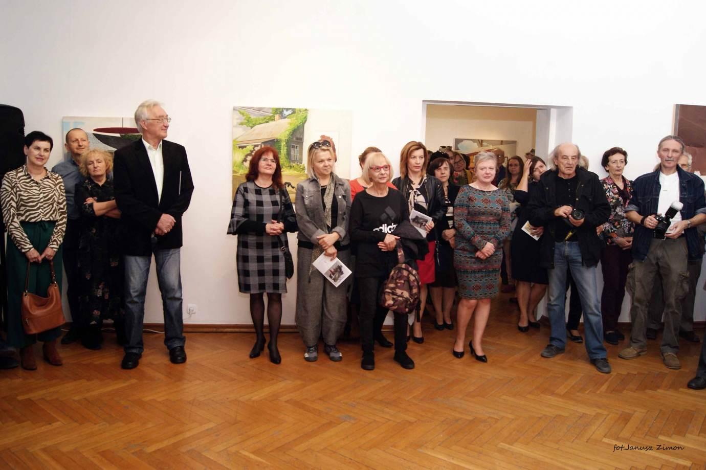 piotr tymochowicz bwa galeria zamojska fot janusz zimon 5 1 Zamość: Wernisaż wystawy Piotra Tymochowicza