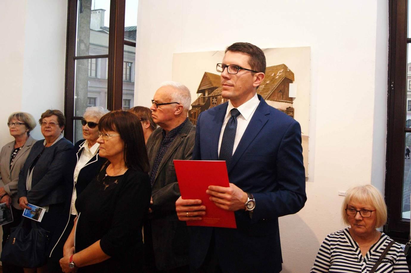 piotr tymochowicz bwa galeria zamojska fot janusz zimon 6 1 Zamość: Wernisaż wystawy Piotra Tymochowicza