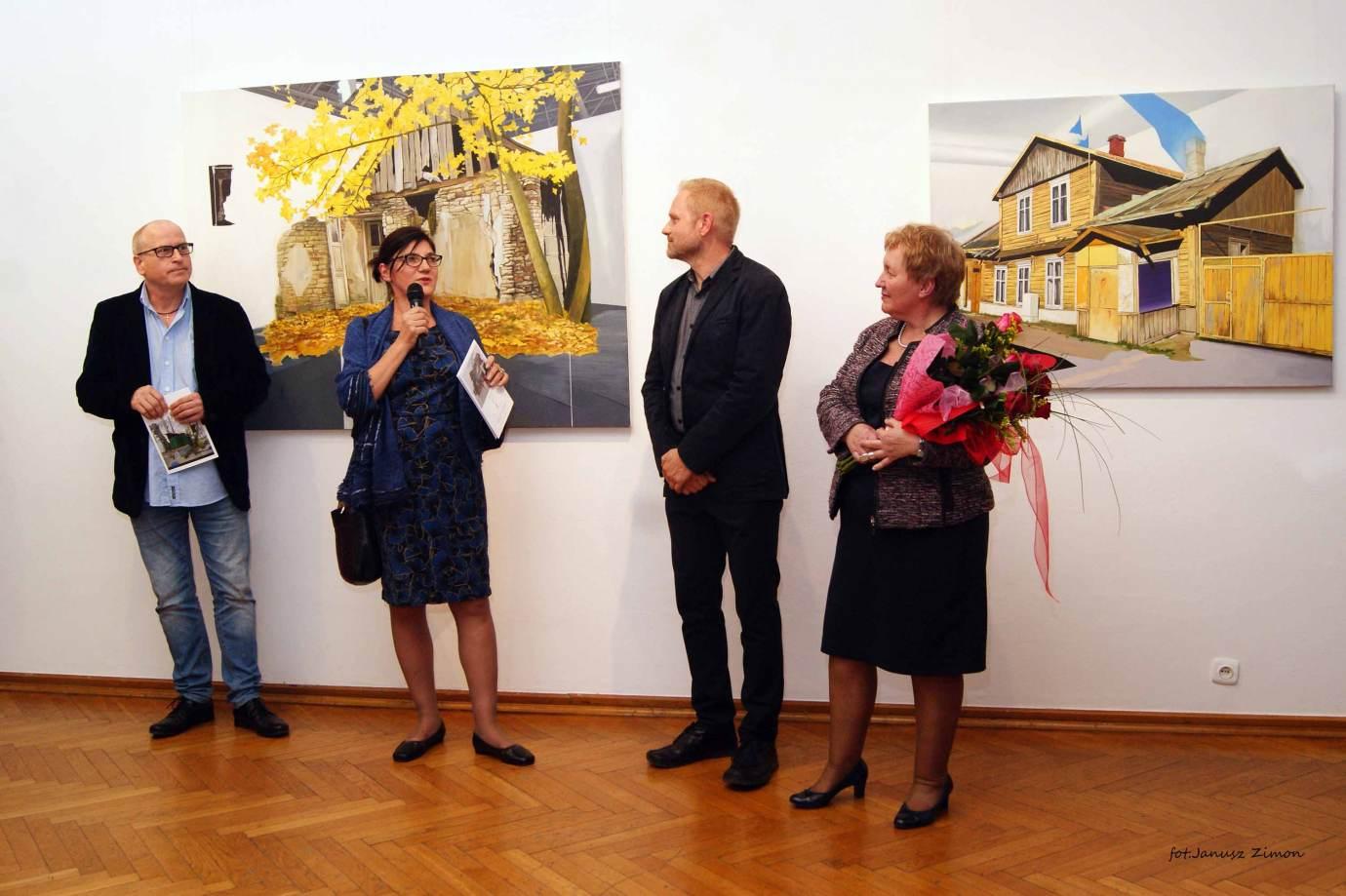 piotr tymochowicz bwa galeria zamojska fot janusz zimon 7 Zamość: Wernisaż wystawy Piotra Tymochowicza
