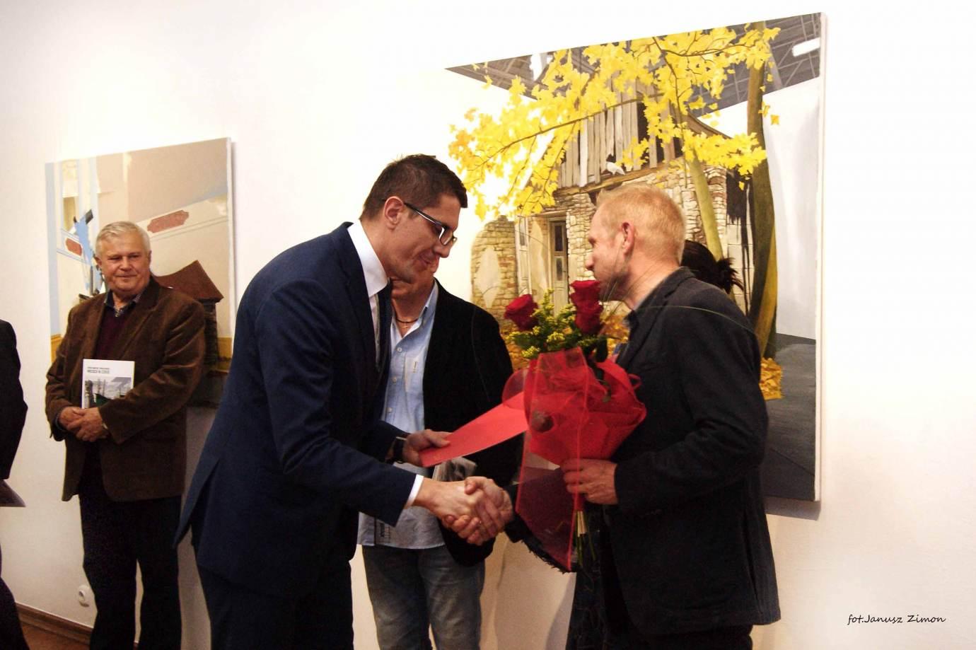 piotr tymochowicz bwa galeria zamojska fot janusz zimon 9 Zamość: Wernisaż wystawy Piotra Tymochowicza