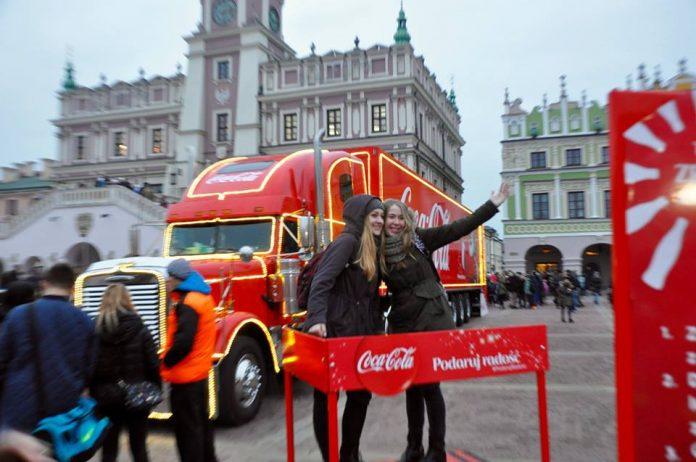 12376476 1676086172661513 338845255827304541 n 696x462 1 Ciężarówka Coca- Coli ruszy w trasę po Polsce. Czy zawita do Zamościa? Zdecydują o tym internauci