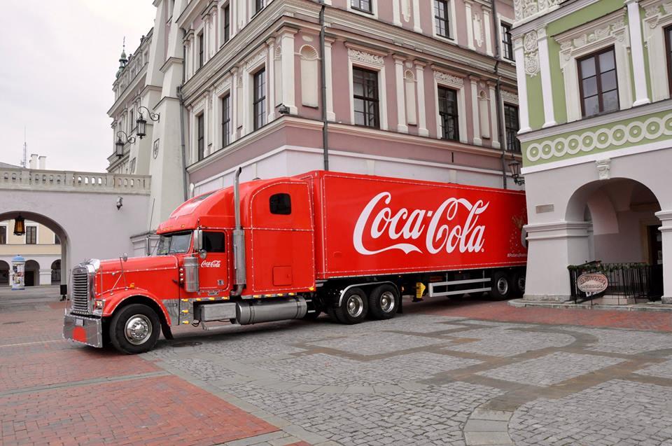 12391249 1676039829332814 1441154618700692436 n Ciężarówka Coca- Coli ruszy w trasę po Polsce. Czy zawita do Zamościa? Zdecydują o tym internauci