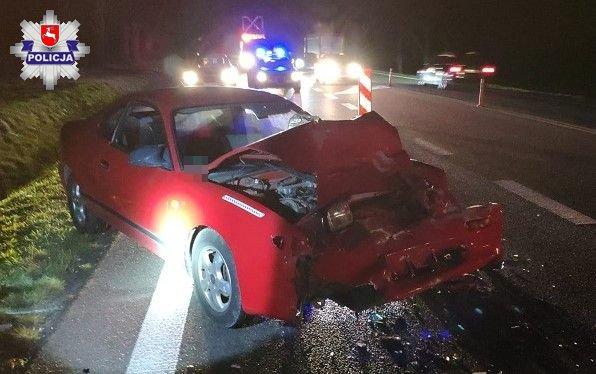 68 157526 84-letni kierowca Toyoty uderzył w ciągnik siodłowy