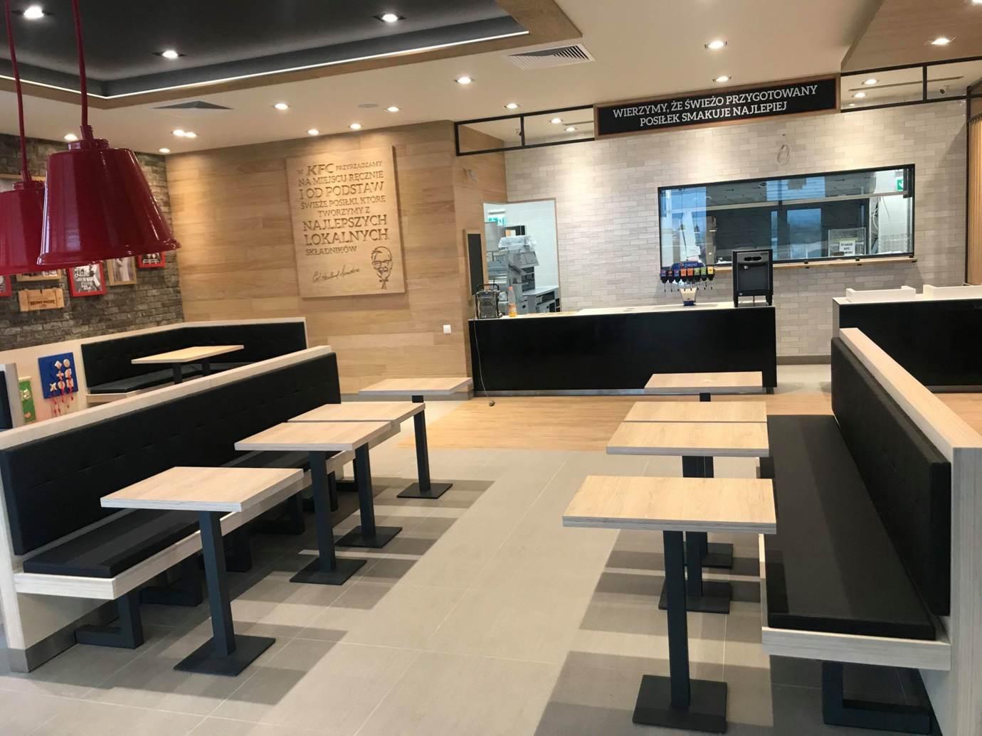 76942766 2526278834104994 1151983578238681088 n Restauracja KFC na godzinę przed pierwszym otwarciem (zdjęcia)