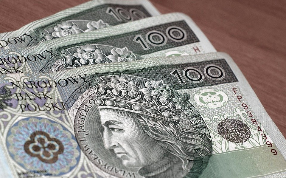 money 4172864 960 720 Ważne dla pracujących emerytów i rencistów. Będą mogli więcej dorobić