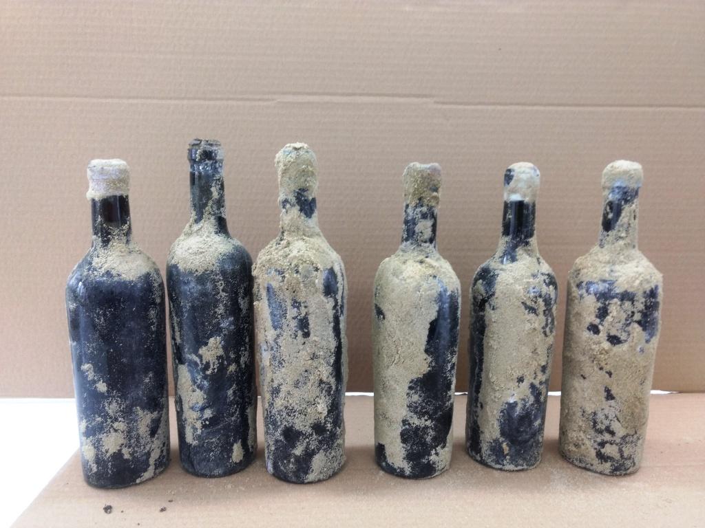 wina z kozlowki 3 REGION: Cenne butelki z winem odkopano podczas prac remontowych w dawnej rezydencji Zamoyskich