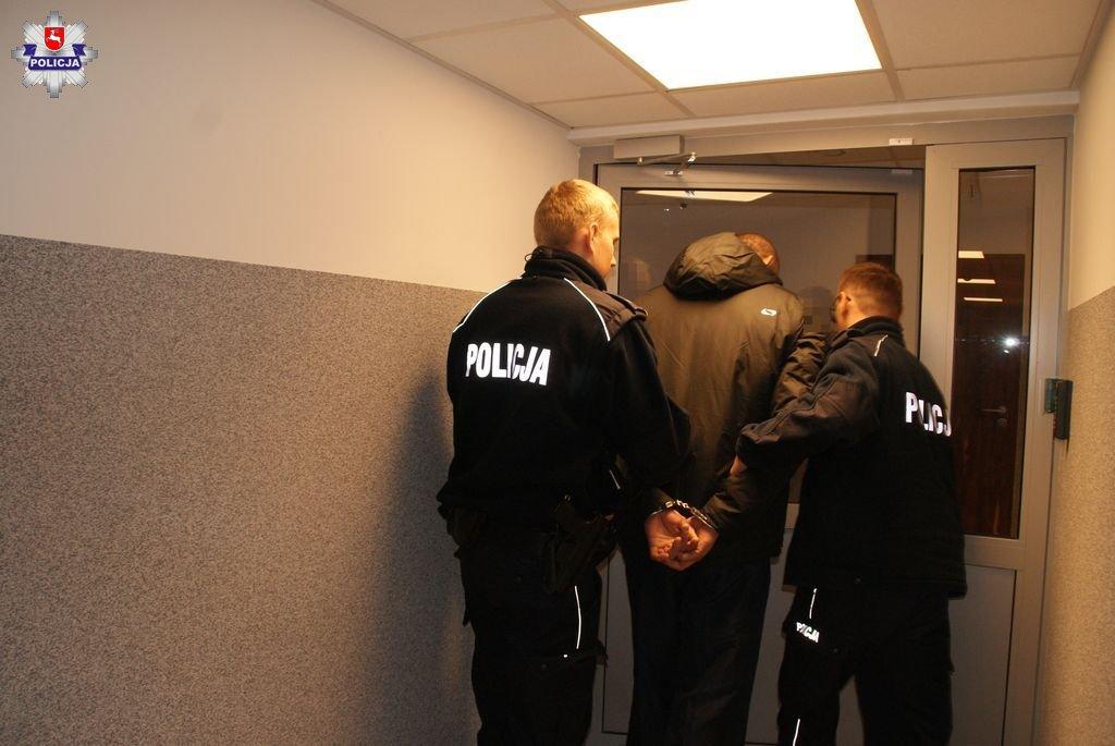68 159267 Ukradł Pandę i z narkotykami uciekał przed policją