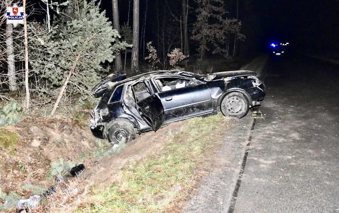 68 159970 32-letni pasażer Audi nie żyje.